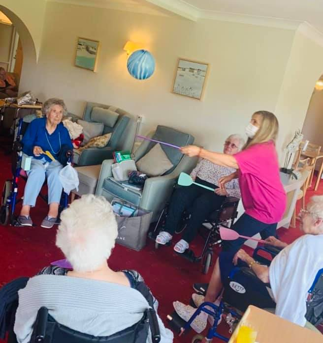 Balloon games | Country Lodge Nursing Home West Sussex