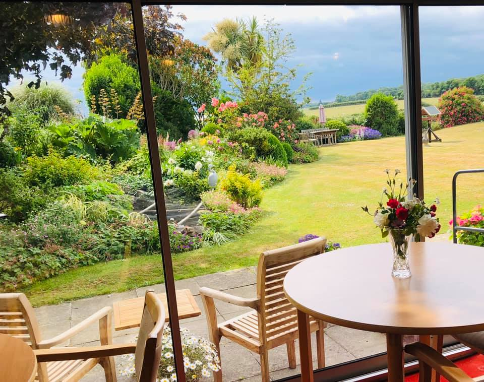 Beautiful gardens | Country Lodge Nursing Home in West Sussex