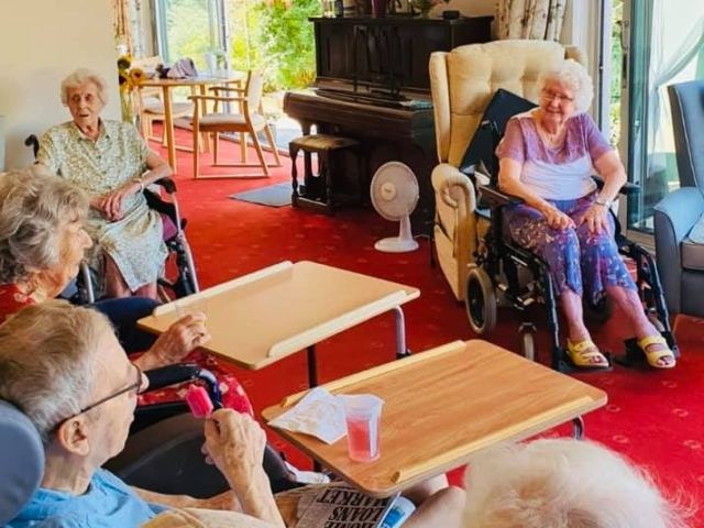 Happy residents | Country Lodge Nursing Home in West Sussex