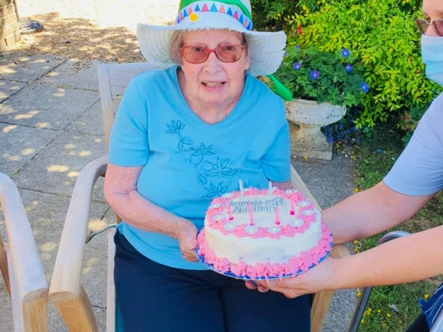 Jean's birthday | Country Lodge Nursing Home in West Sussex
