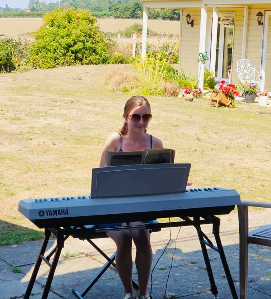 Pianist Lucy  | Country Lodge Nursing Home in West Sussex